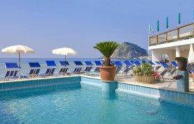 Last Minute Hotel Vittorio Beach Resort Spiaggia Maronti